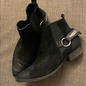 FREE PEOPLE distressed spur booties size 9